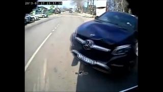 В Воронеже мажор на Mercedes специально сбил курсанта института МЧС