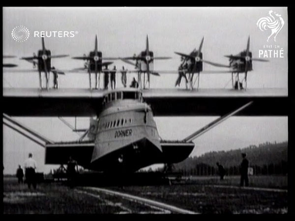 Large passanger plane flight 1929