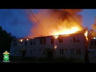 В Томской области сотрудники полиции задержали подозреваемого в поджоге  и кражи денежных средств