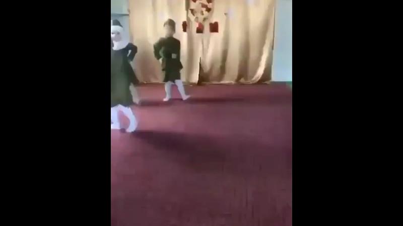 Видео от Люси Ян