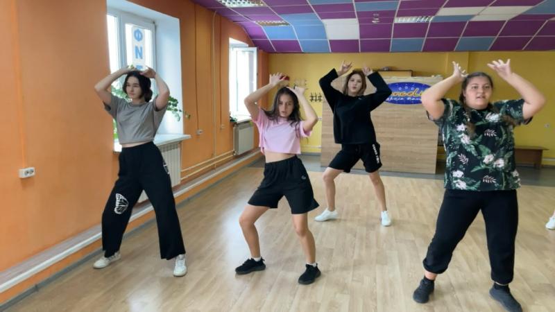 Видео от K pop cover band StarWay