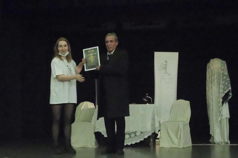 Награждение спектакля «Чехов. Послушайте!..» режиссер Григорий Гольдман