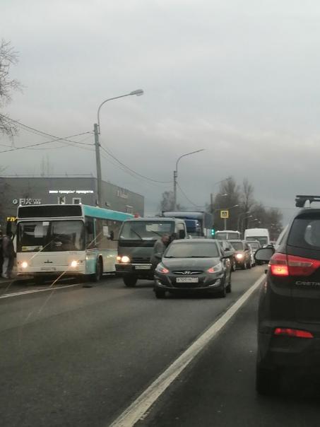 Авария в Горелово, 21.10.21Столкновение неподалеку...