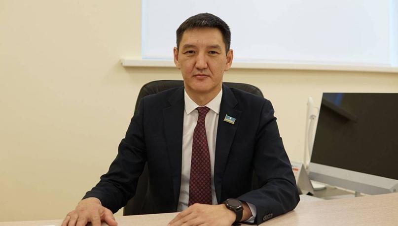 Министр образования Якутии Михаил Сивцев ушел в отставку по собственной инициативе