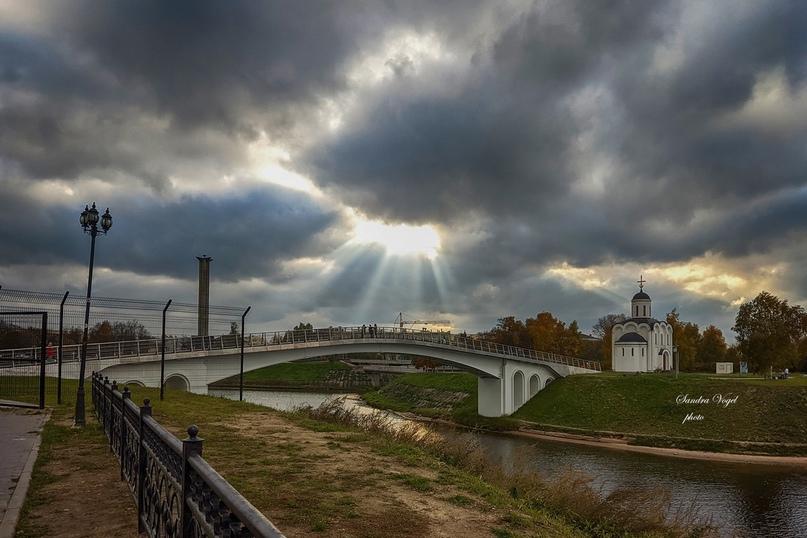 Монастырский мост на закате  фото: Сандра Фогель Тверь