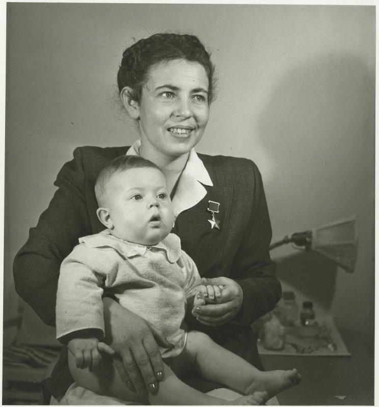 24 октября 1919 года родилась Полина Владимировна Гельман - начальник связи авиа...